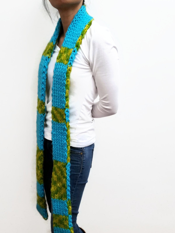VK Dare To Be Original Blue/Green Double Knit Scarf