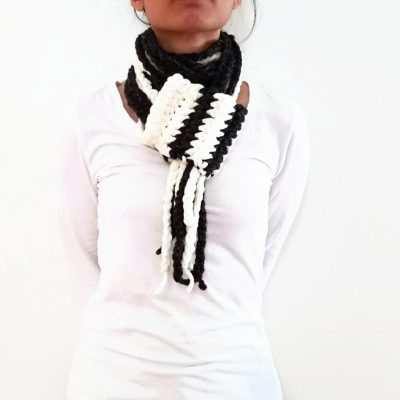 Vone Kevitz Black/White Chain Scarf With Cuff