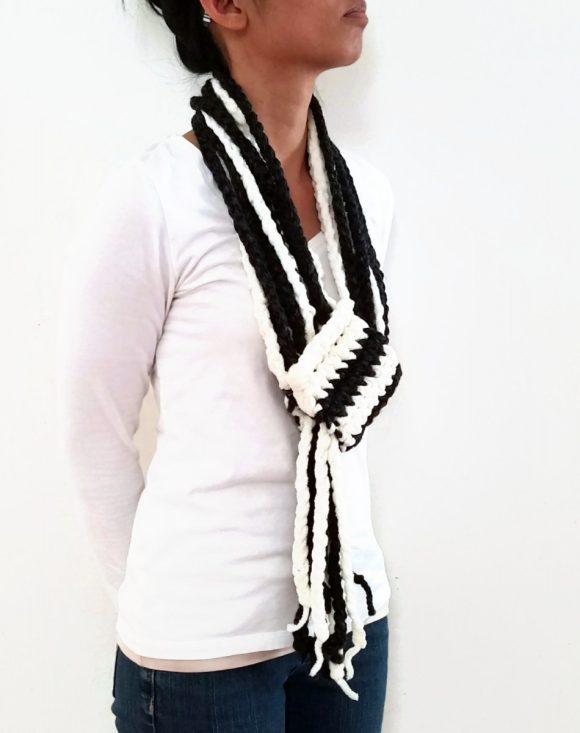 Vone Kevitz Black/White Chain Scarf With Cuff